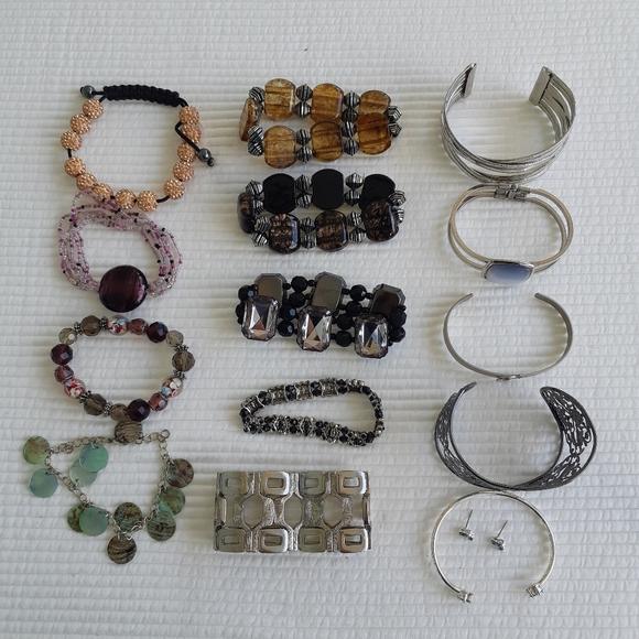 Jewelry Lot 14 Bracelets Costume Beads Stretchy